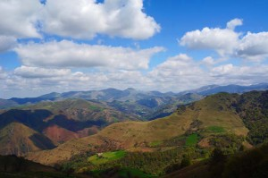 Camino Francés - Majestic view over the Pyrenees