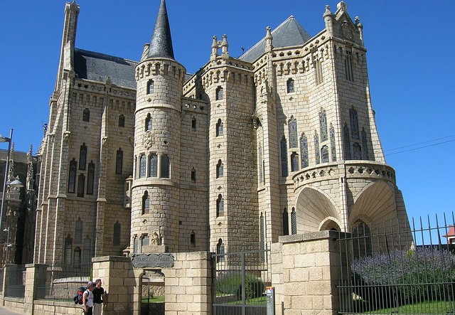 Camino Francés - Palacio Episcopal in Astorga
